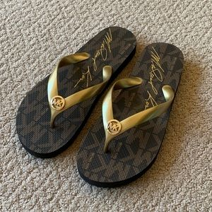 NIB Michael Kors Dark Brown Flip Flops